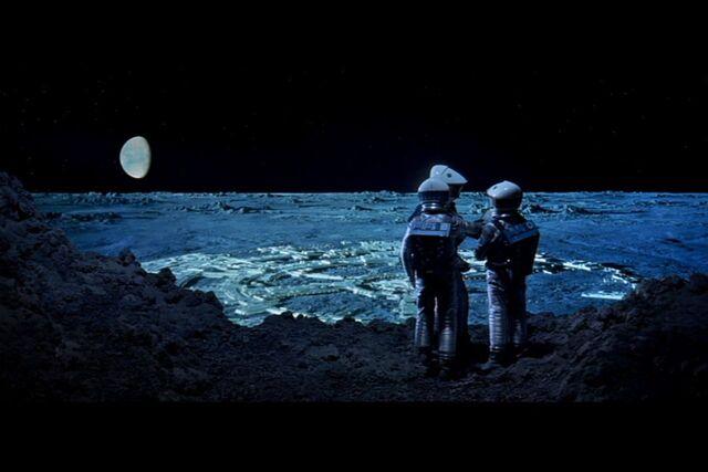 File:2001-Clavius-Astronauts-714391.jpg