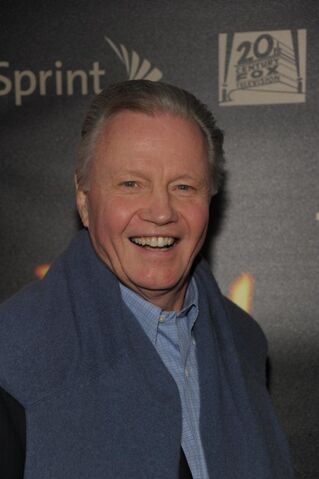 File:24- Jon Voight at series finale party in 2010.jpg