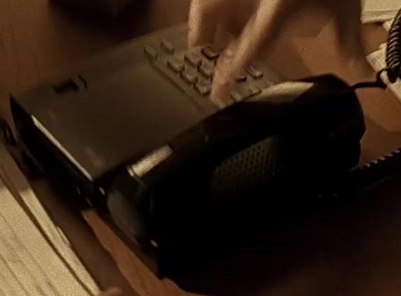 File:1x12 Ferragamo phone.jpg