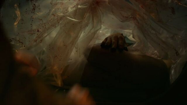 File:In1x05 dead body.jpg