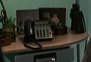 File:1x01 Jack office phone 2.jpg