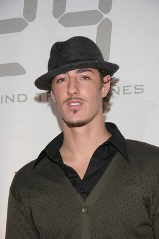 File:24- S5 DVD release & S6 premiere party- Eric Balfour.jpg