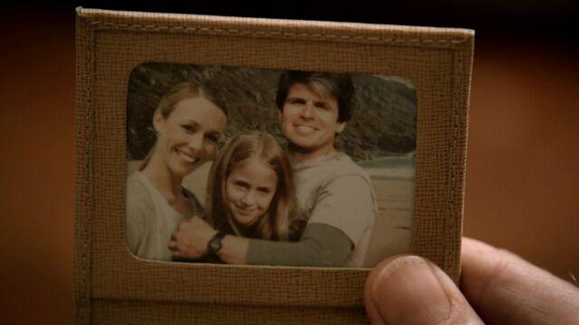 File:9X08 Heller family.jpg
