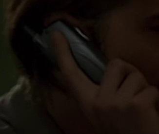 File:1x19 Frank phone 2.jpg