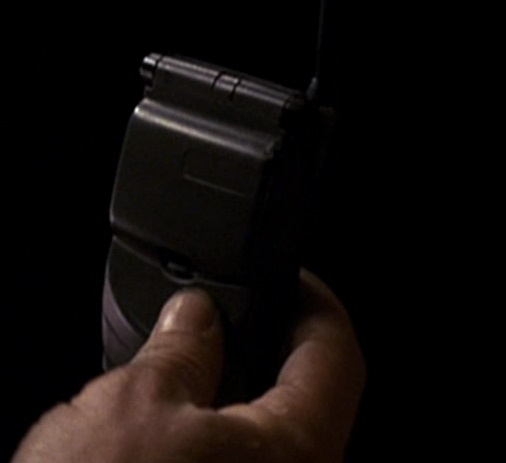 File:1x23 bomb phone.jpg