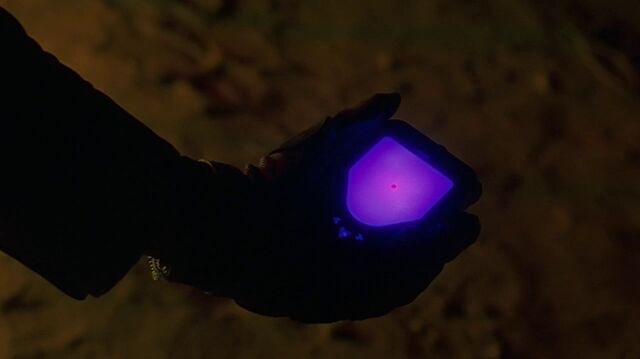 File:1x02 homing device.jpg