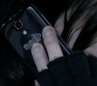 File:9x03 Chloe phone.jpg