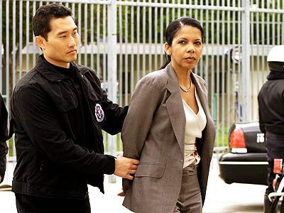 File:24 Day 2- Tom arrests Sherry Palmer.jpg