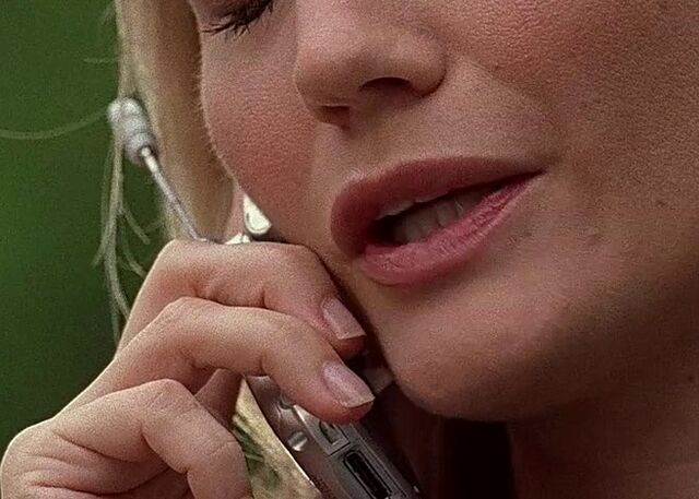 File:3x01 Kate phone.jpg