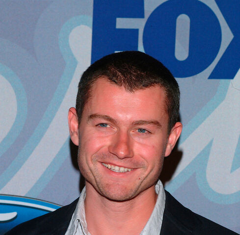 File:24- James Badge Dale in 2004 at FOX TV shows event.jpg