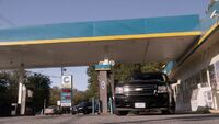 10x05 gas station