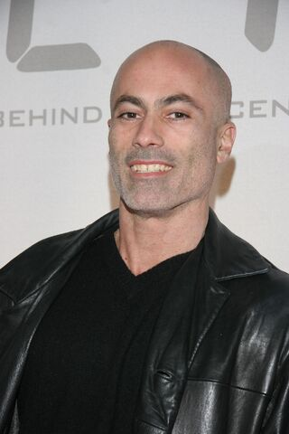 File:24 S5 DVD release & S6 premiere party- Adonis Maropis.jpg