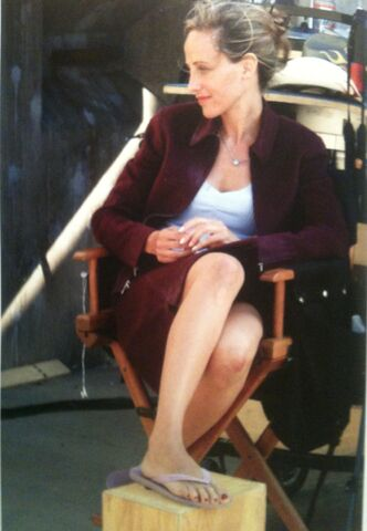 File:Day 4 Kim Raver BTS.jpg
