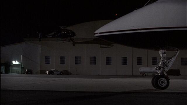 File:5x18 Van Nuys Hangar.jpg
