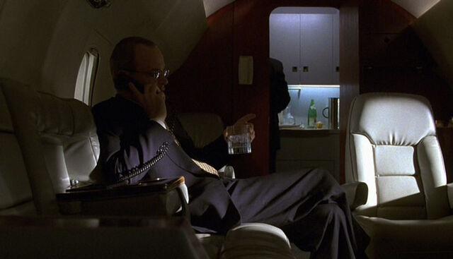 File:1x10 Andre plane.jpg
