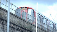 9x01 Hammersmith Train
