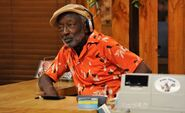 Garrett-MOrris-2-broke-girls