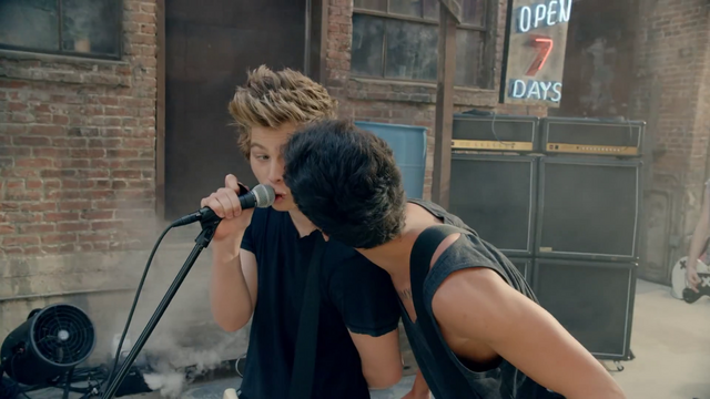 File:5 Seconds of Summer - She Looks So Perfect - 5 Seconds of Summer Wiki (31).png