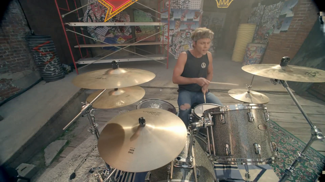 File:5 Seconds of Summer - She Looks So Perfect - 5 Seconds of Summer Wiki (69).png