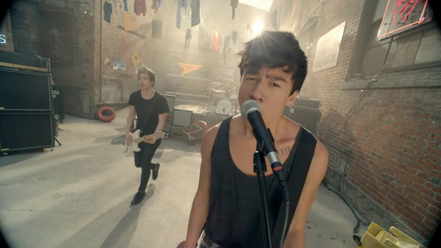 File:5 Seconds of Summer - She Looks So Perfect - 5 Seconds of Summer Wiki (104).png