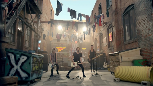 File:5 Seconds of Summer - She Looks So Perfect - 5 Seconds of Summer Wiki (13).png