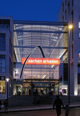Datei:Aachen4044ArkadenW.jpg