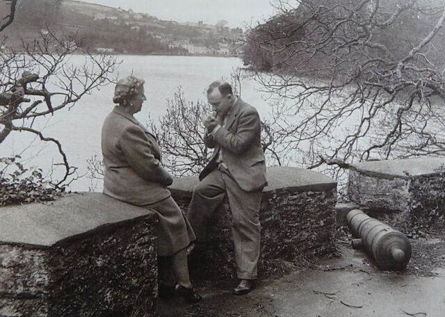 File:Agatha christie and max mallowan on the battery on greenway.jpg