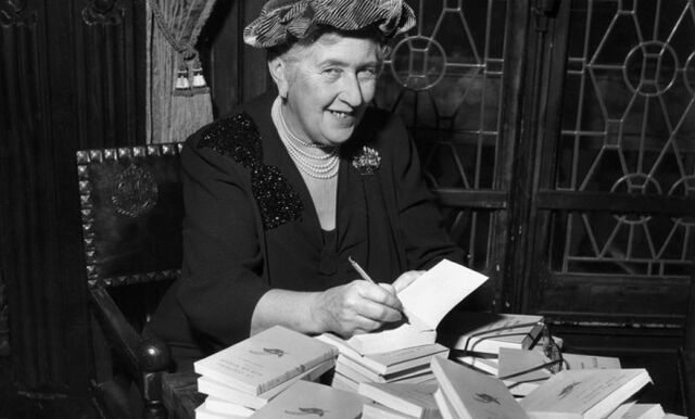 File:British-mystery-author-agatha-christie-autographs-french-editions-of-her-book-in-1965.jpg