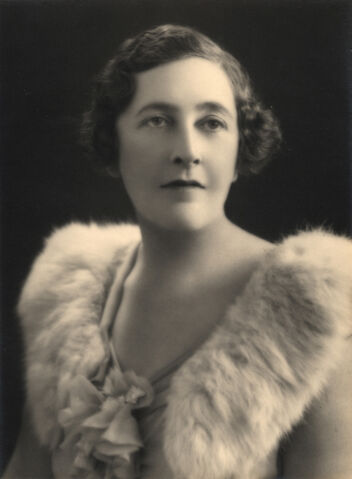 File:Agatha-christie-glam-photo.jpg