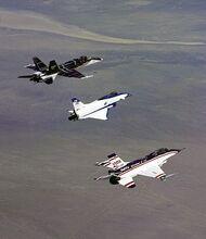 518px-3 three thrust-vectoring aircraft