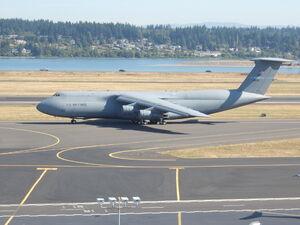 Lockheed C-5 Galaxy taxiing