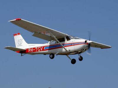 C172 Cessna Skyhawk PH-TGV p3