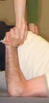 Hand in Hand (Ellbogen auf Boden) zwo