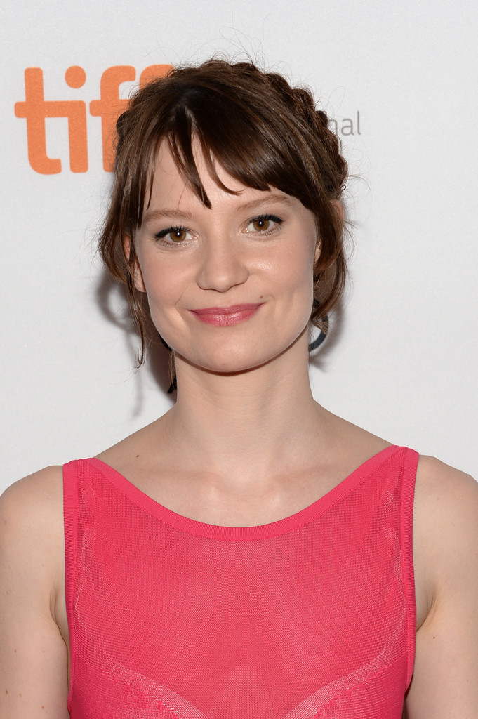 Mia Wasikowska | Alice in Wonderland Wiki | FANDOM powered ...