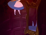Alice-in-wonderland-disneyscreencaps.com-574