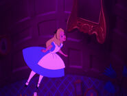 Alice-in-wonderland-disneyscreencaps.com-581