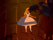 Alice-in-wonderland-disneyscreencaps.com-569