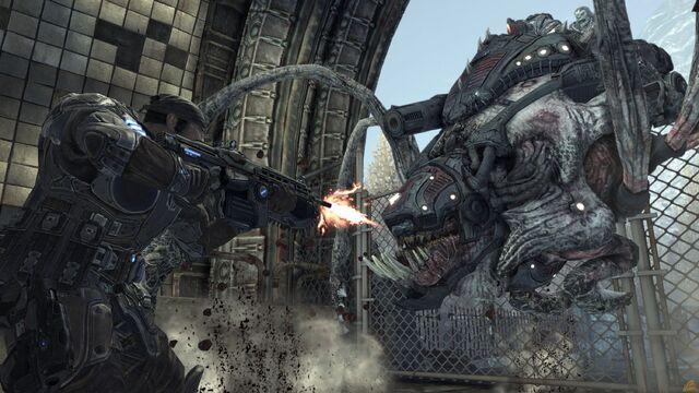 File:Gears-of-war-2-reaver-on-ground.jpg