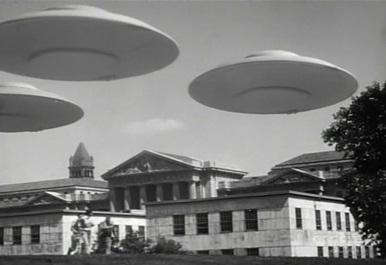 File:FlyingSaucers.jpg