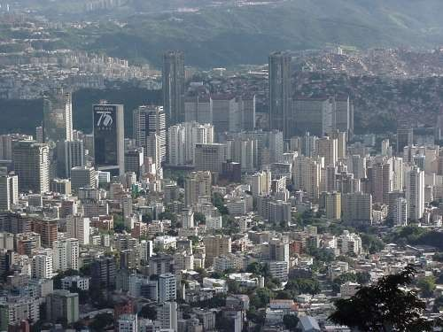 File:Caracas2.jpg