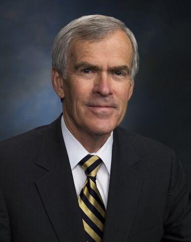 File:Official Photo of Senator Jeff Bingaman (D-NM) 2008.jpg