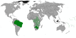 Map of the member states of the commonwealth; Full members in dark green, association members in light green.
