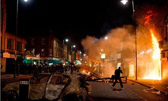 Riot-uk-london-007