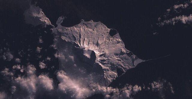 File:800px-Heard Island.jpg