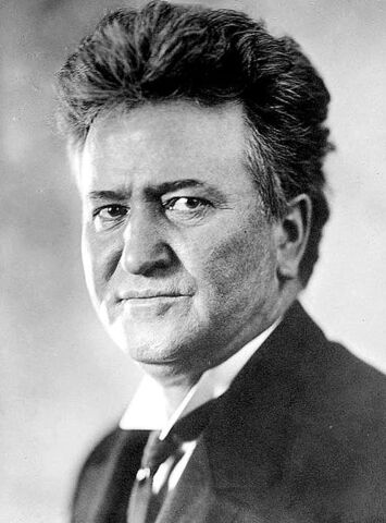 File:444px-Robert M La Follette, Sr.jpg
