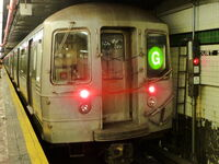 R68 (G) train at Court Square
