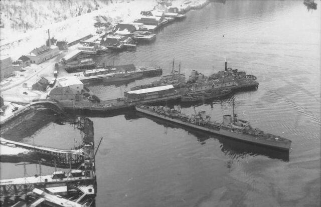 File:Bundesarchiv Bild 101I-758-0056-35, Norwegen, deutsche Kriegsschiffe.jpg