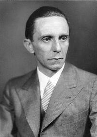 429px-Bundesarchiv Bild 146-1968-101-20A, Joseph Goebbels