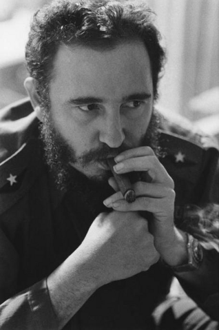 File:Fidel Castro Rare Photos .png