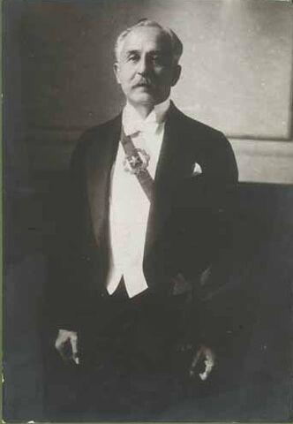File:Luis Barros Borgoño Banda Presidencial.jpg